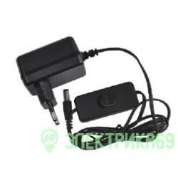 UnieI блок питания для св/д св-ков с вилкой и выкл. 12V 6W IP20 (интерьерный) UET-VPA-006A20